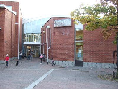 Myyrmäen kirjasto